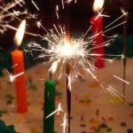 Zaproszenia na osiemnastkę – jak je zaprojektować?